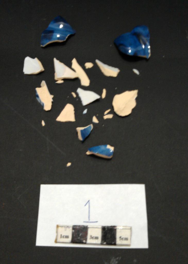 Delft Urn A  - fragments