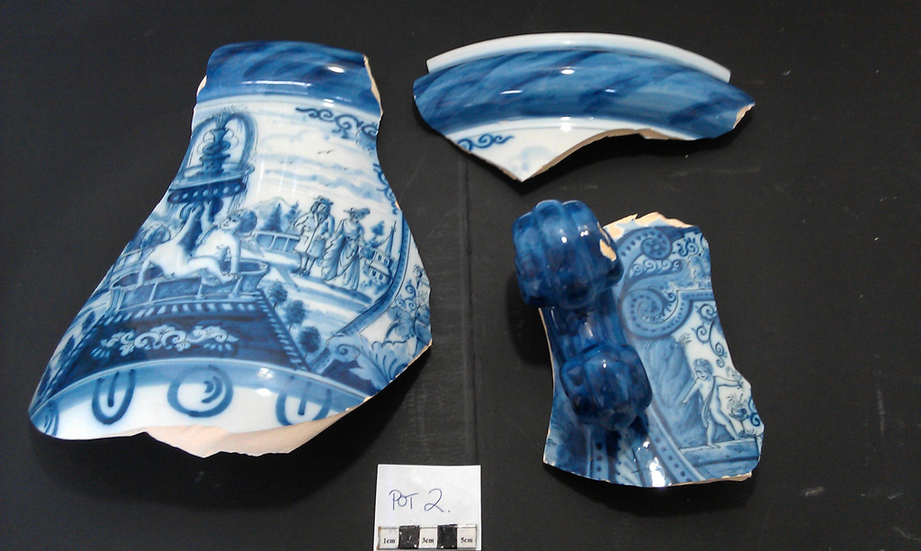 Delft Urn B – damage sections
