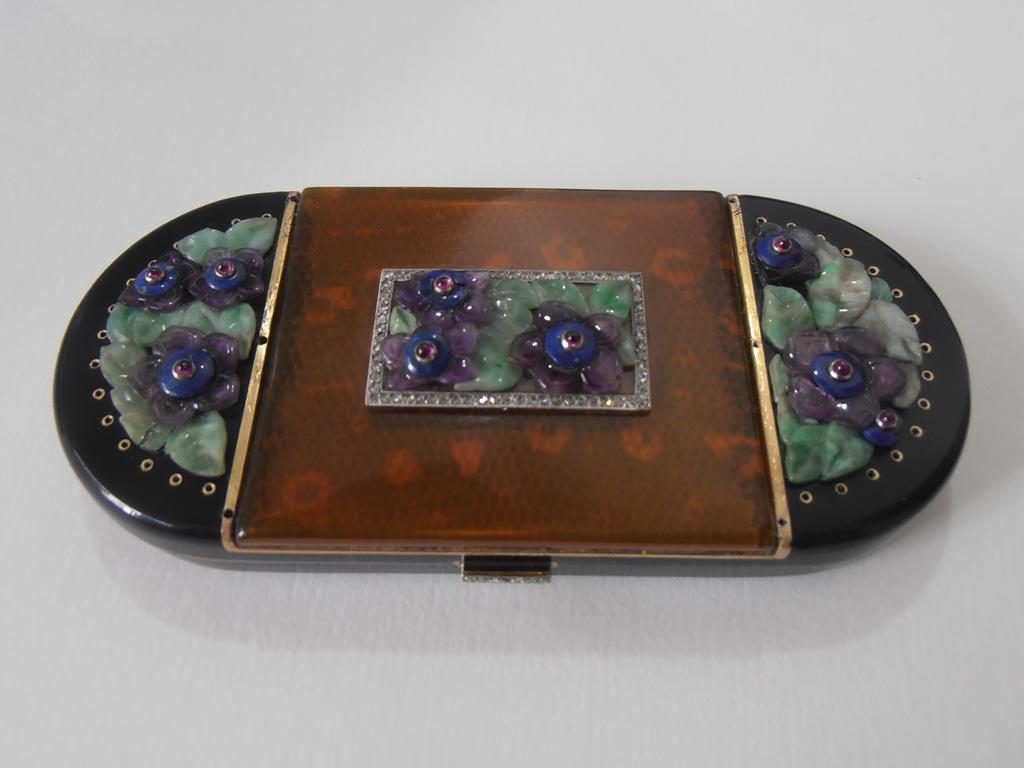 Van Cleef & Arpels compact - restored