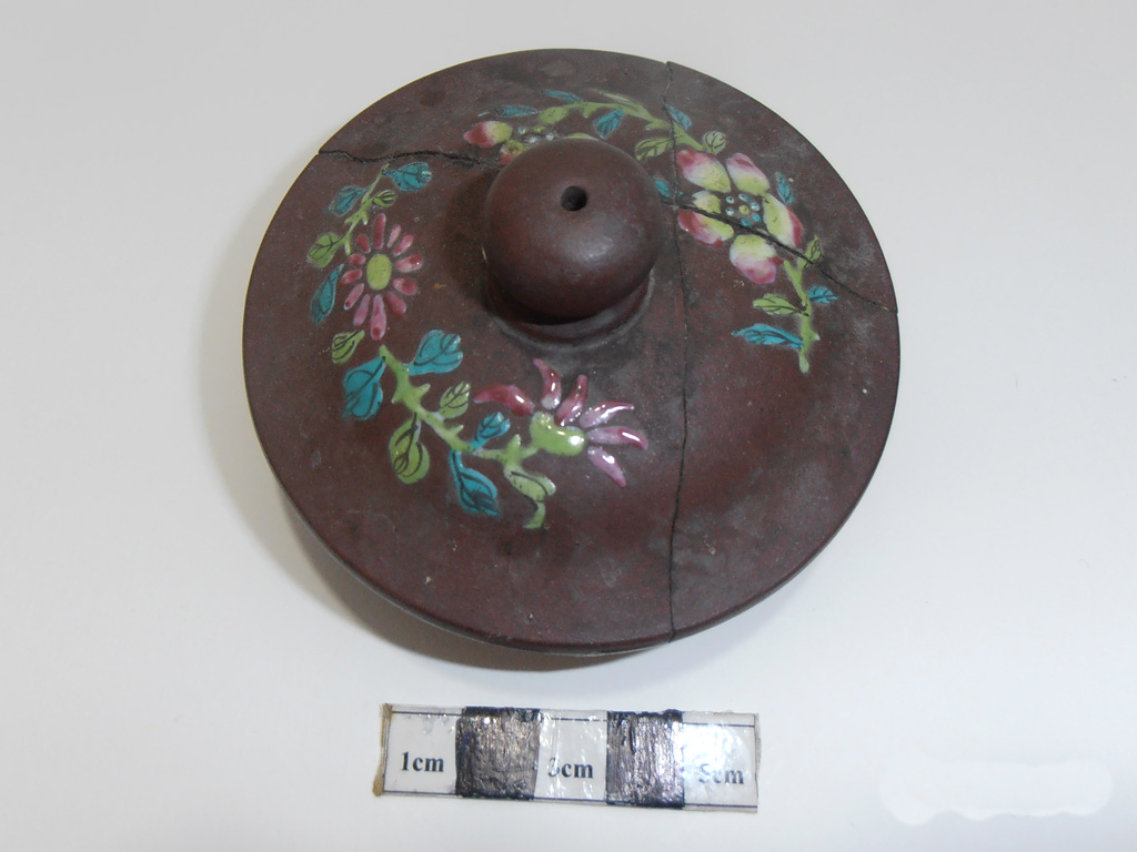 Yixing polychrome teapot – damaged